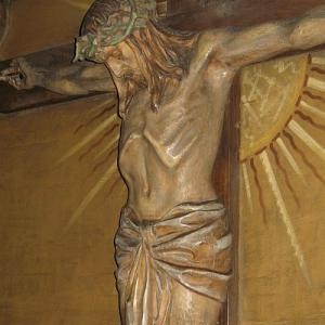 ChristCrucified_Paul_Ondruschs_carving.jpg
