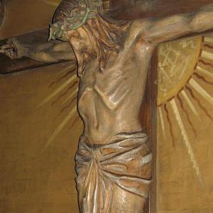 ChristCrucified_Paul_Ondruschs_carving.jpg