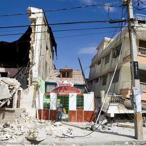 Haiti_Earthquake_building_damage.jpg